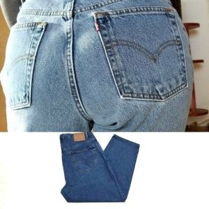 Vintage Levi's 560 Mid Wash High Rise Cropped Jean